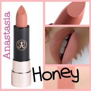 🐝 Anastasia All Day Matte Lipstick, Honey